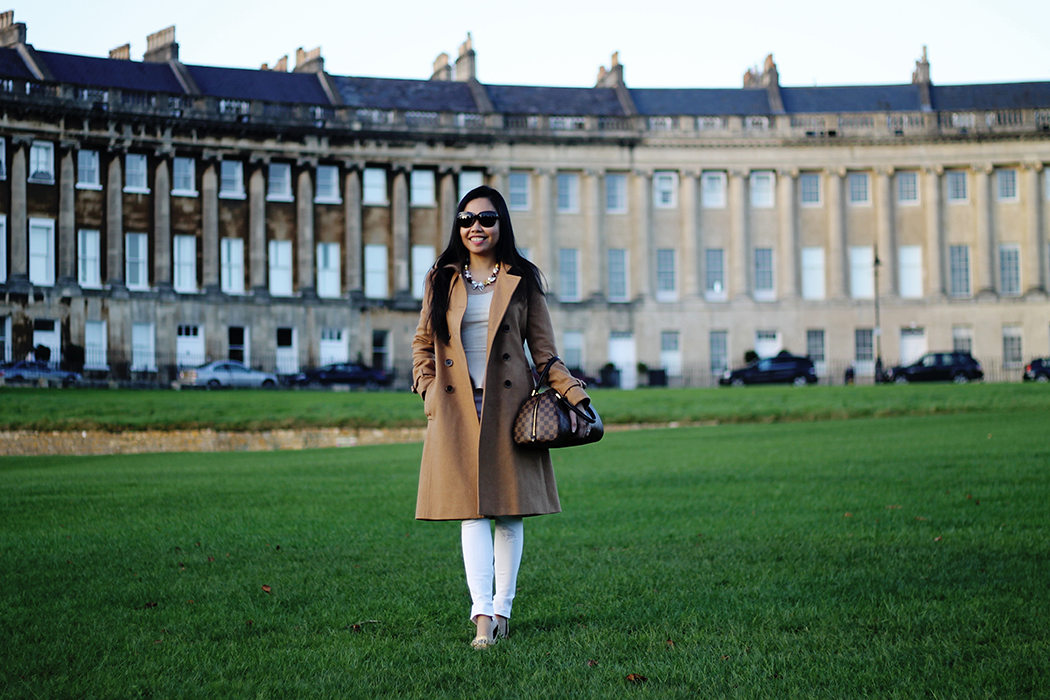 Iconic 17th Century Georgian Architecture at the Sweeping Royal Crescent in Bath, England